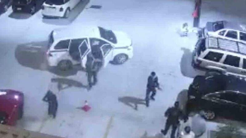 FUERTE VIDEO: Fiesta termina en pesadilla; sicarios atacan a tiros a un bar y matan a uno