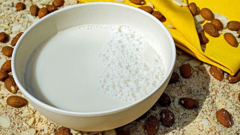 ¡Impactante! Conoce algunos nutrientes de las leches vegetales y elige la que más te guste
