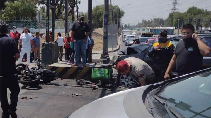 ¡Terrible! Conductor intenta escapar de la policía y mata a repartidor de Uber en el camino