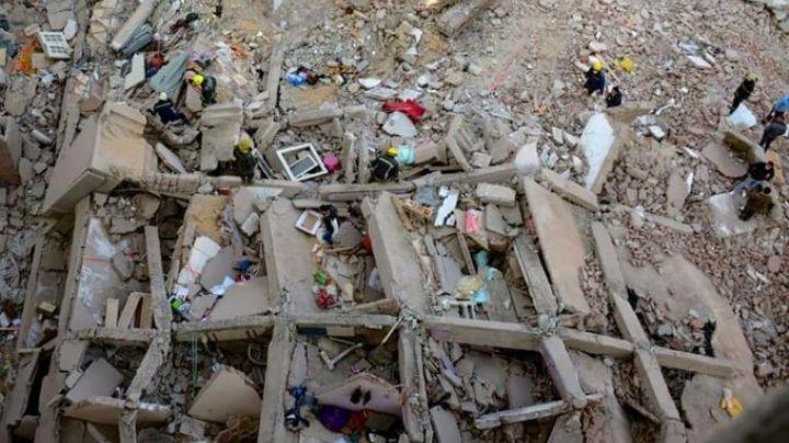 Derrumbe de edificio en Egipto suma 25 muertos; autoridades estiman que hay 75 heridos