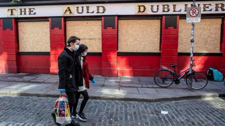 Terror en Irlanda: 2 personas fueron puestas en cuarentena por Covid-19 y una de ellas se fugó