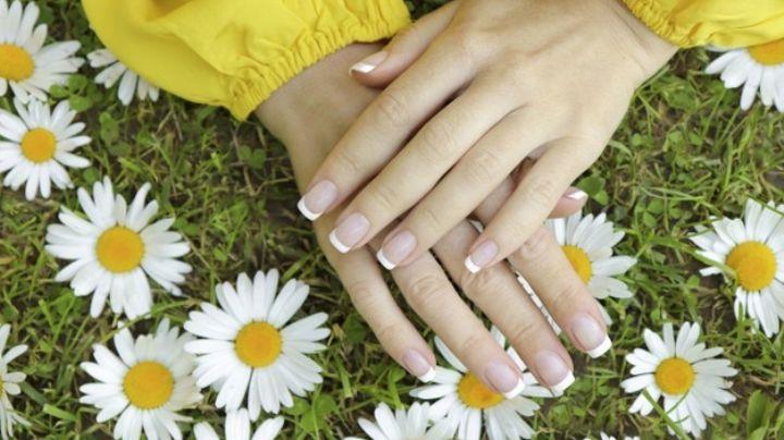 Consiente tus manos al dejarlas muy bellas con los diferentes tipos de uñas postizas