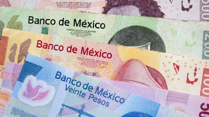Para no ser detenido se come los billetes falsos que portaba; pagó un celular con ellos