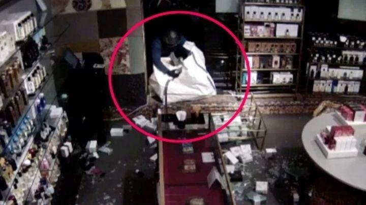 FOTO: Captan el dramático momento en el que guardia de seguridad se enfrenta a ladrones