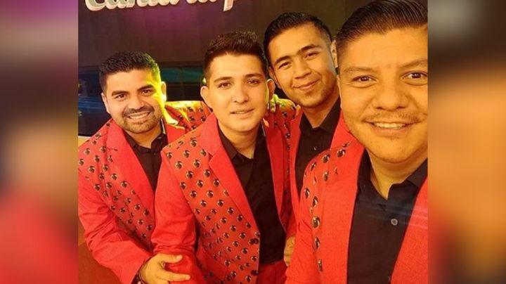 Angustiados, integrantes de La Original Banda El Limón piden oraciones por cirugía de su vocalista