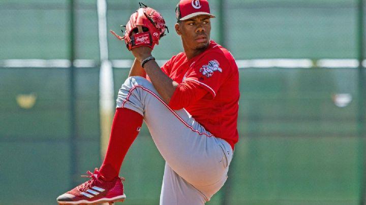 ¡Tira lumbre! Pitcher de los Rojos realiza lanzamientos de más de 100 millas
