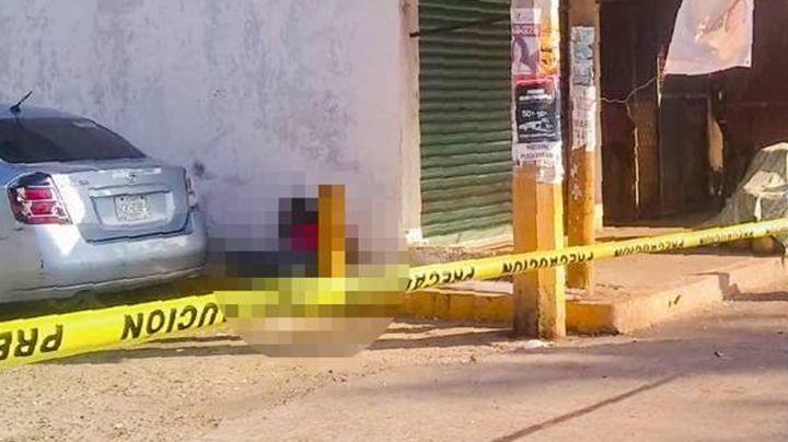 A plena luz del día, mujer es baleada mientras estaba en la banqueta en Acapulco