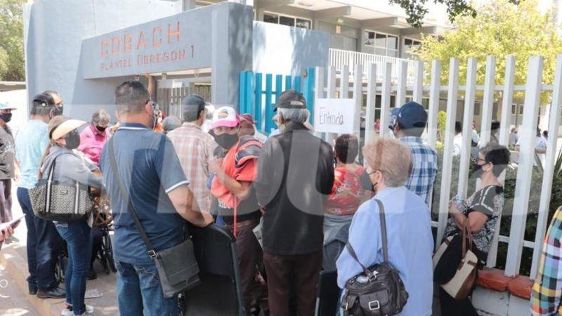 Caos y desabasto: Suspenden vacunación de adultos mayores en Cajeme; se acabaron las dosis