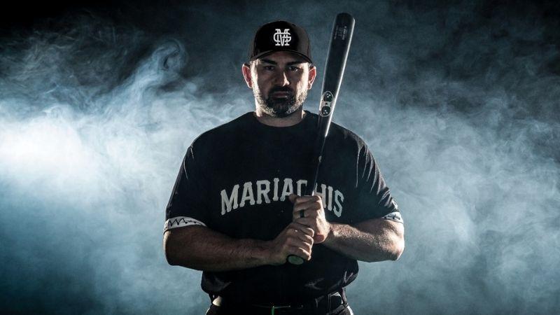 Adrián 'Titán' González se pone el traje de Mariachi; debutará en la Liga Mexicana de Beisbol