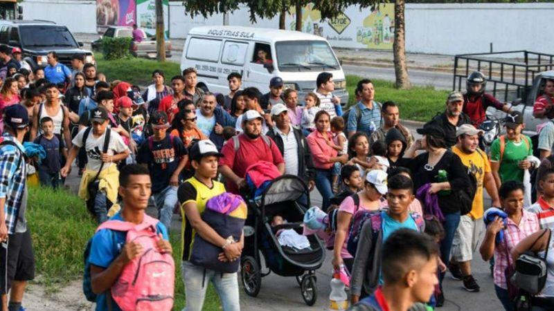 Caravana con al menos 400 migrantes atraviesa México en busca del 'sueño americano'
