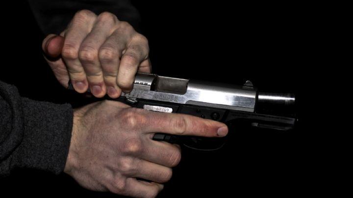 De terror: Óscar y Valentín, mientras discuten, disparan en la calle; le dieron a una joven