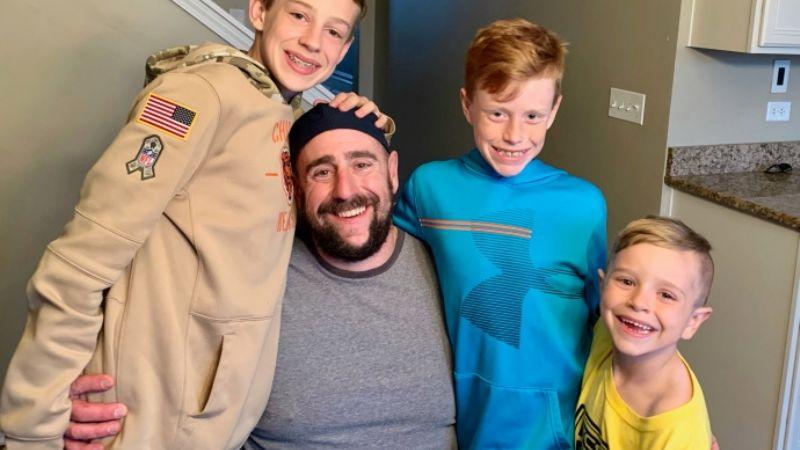 ¡Héroe! Padre sacrifica su vida para salvar a su hijo de una fuerte corriente marítima