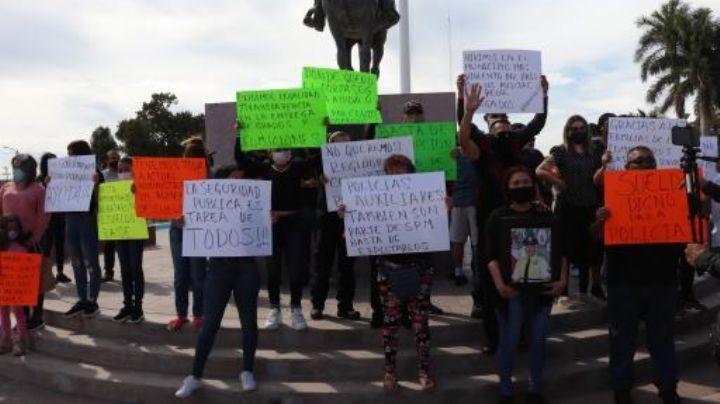 """""""Que renuncie"""": policías de Cajeme se manifiestan contra del alcalde; piden mejor salario y cero corrupción"""