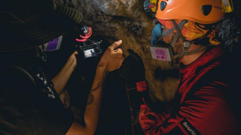 Filman cuevas de Sonora para festival de cine en Francia en la categoría de documental