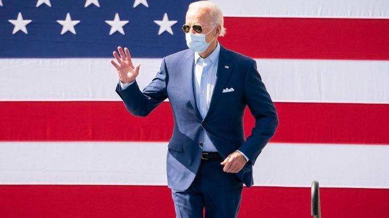"""Joe Biden condena el dejar de usar cubrebocas en Texas; lo califica como """"pensamiento neandertal"""""""