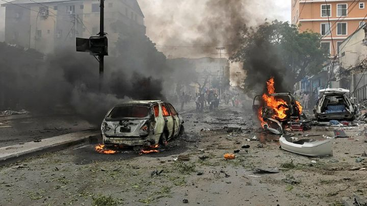 Ataque suicida: Mueren 26 personas tras atentado con coche bomba en Somalia