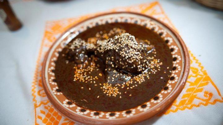 Torta ahogada, mole y pozole: Conoce los platillos más representativos de México