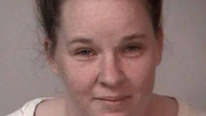 Trágico final: Mujer abusó de su novio mientras él moría de sobredosis; él agonizaba y ella reía