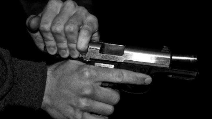 Encuentran el cuerpo de un adulto mayor con un tiro en la cabeza en la Condesa; se habría suicidado
