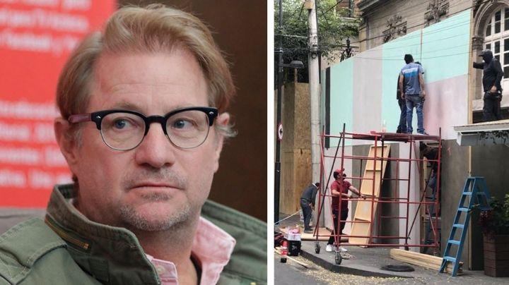 Andrés Roemer 'blinda' su casa con vallas por el Día de la Mujer; está acusado de abuso