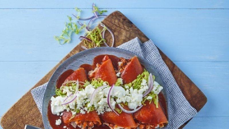 Reinventa las tradicionales enchiladas en esta Cuaresma al prepararlas con atún