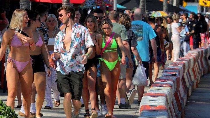 Playas de Florida se llenan de 'spring breakers' sin importar pandemia por coronavirus