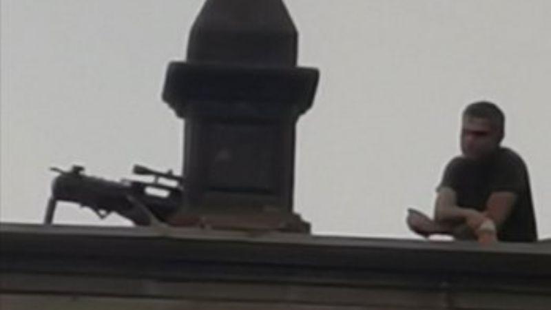 Alertan presencia de sujetos armados que protegen desde el techo el Palacio Nacional