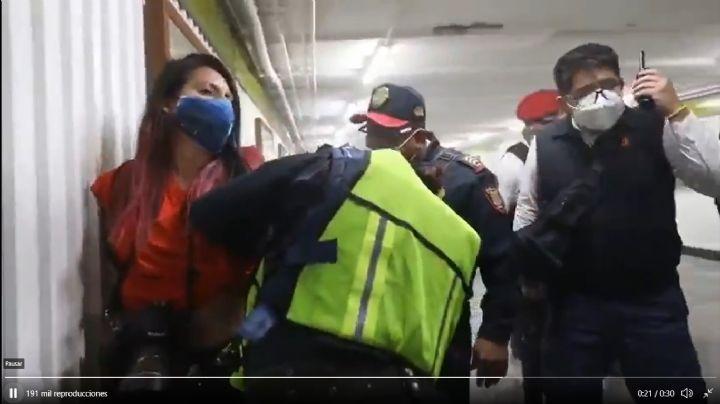 Por abusos, destituyen al jefe de la Policía Bancaria tras detener a periodistas en marcha 8M