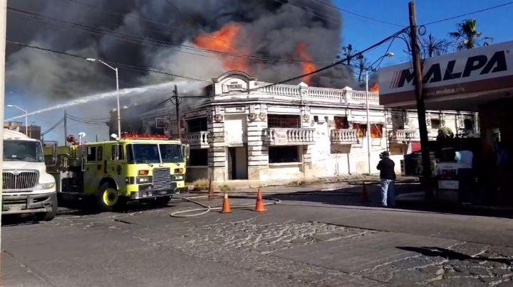 Impresionante incendio se registra en pleno centro del Puerto de Guaymas