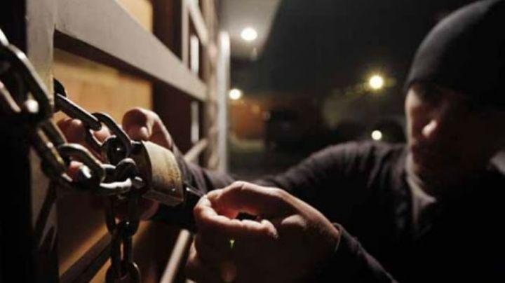 VIDEO: En menos de dos minutos saquean negocio de sushis en la CDMX