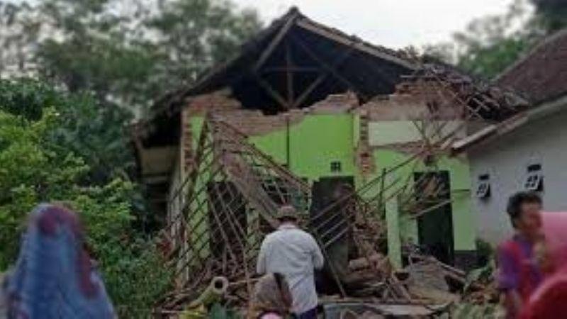 Tragedia en Indonesia: Sismo de 6 grados deja saldo de 6 muertos