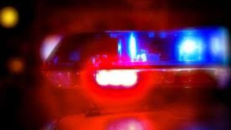 Dos jóvenes tienen trágico final en Navojoa; se estrellaron en una moto con tráiler