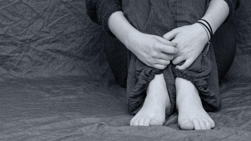¡Escándalo! Pastor pedófilo graba a niñas de 12 años; además guardaba pornografía infantil