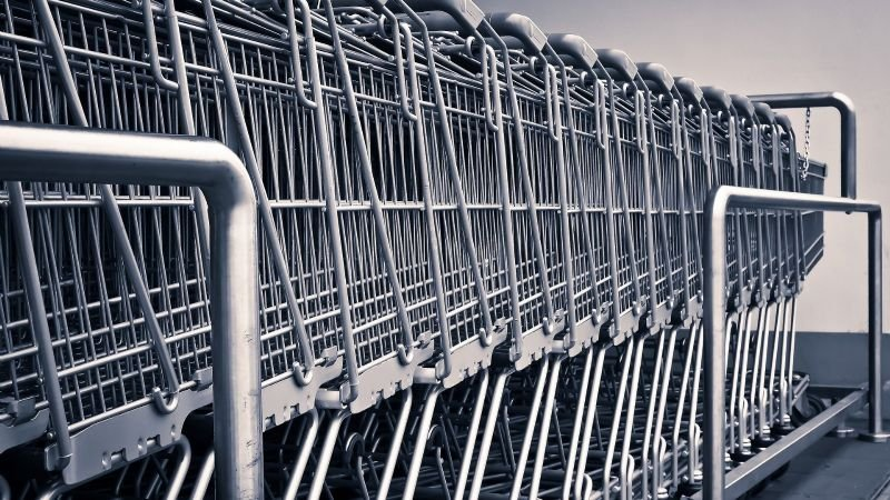 FUERTES IMÁGENES: Tiroteo en un supermercado deja a un hombre herido