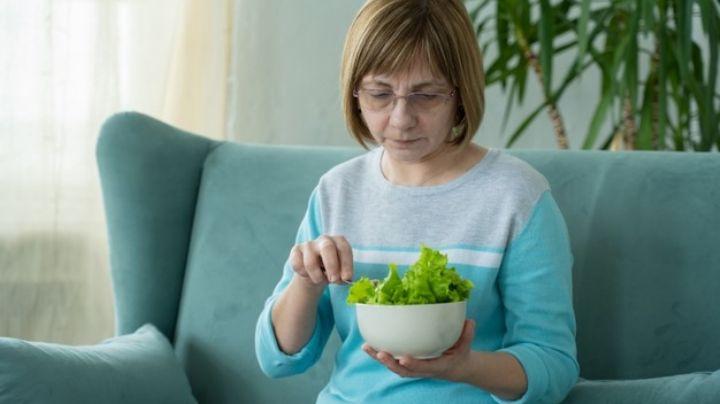 Conoce los alimentos que puede consumir una persona que padece Parkinson