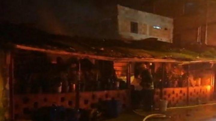 ¡Impactante! Incineran la casa de un homicida en Colombia; mató a toda su familia