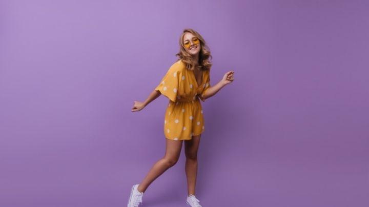 Viste tus días con el color de la temporada e inspira tu 'outfit' con estas ideas en amarillo