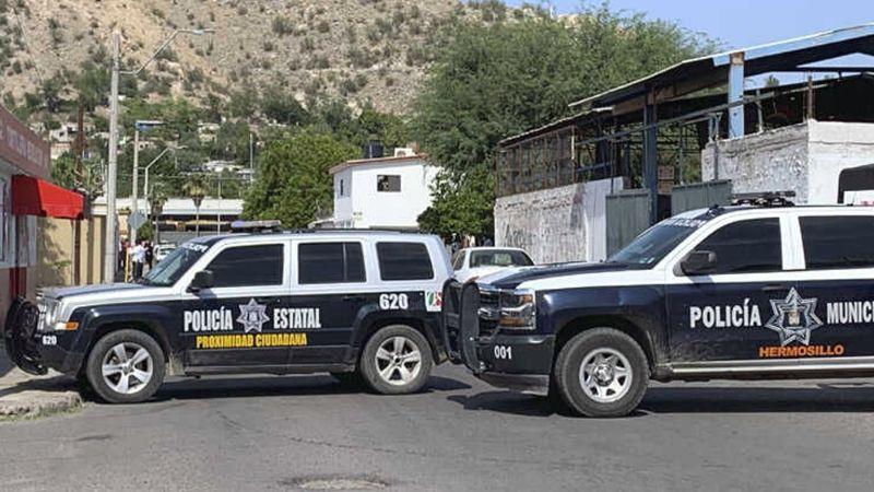 Policías municipales de Hermosillo matan a disparos a conductor de auto tras persecución