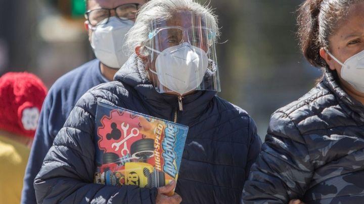 ¡Qué susto! 'Abuelita' se desvanece tras recibir vacuna contra Covid-19 en Milpa Alta
