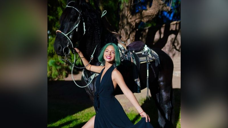 Ángela Aguilar paraliza TikTok con irresistible baile al ritmo de Dua Lipa