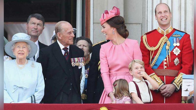 """""""Apoyaremos a la Reina Isabel II"""": Príncipe William conmueve al despedirse del Príncipe Felipe"""