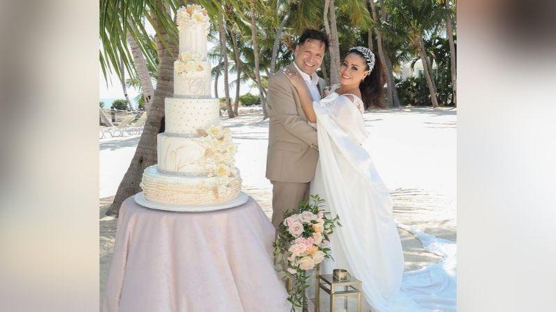 ¡Amor eterno! Carolina 'La Venenosa' Sandoval se casa a la orilla del mar