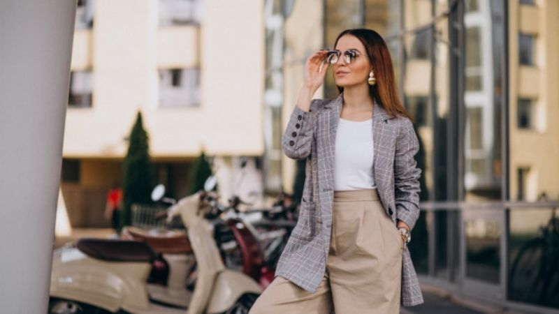 Luce espectacular con estas prendas de SHEIN perfectas para una entrevista de trabajo
