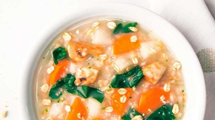 Logra bajar de peso mientras comes delicioso con una sabrosa sopa de avena