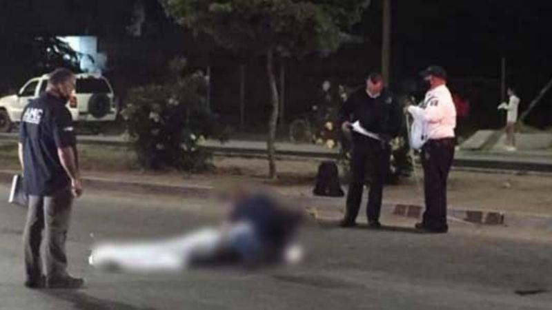 Joven motociclista muere al estrellarse con un tráiler en Navojoa