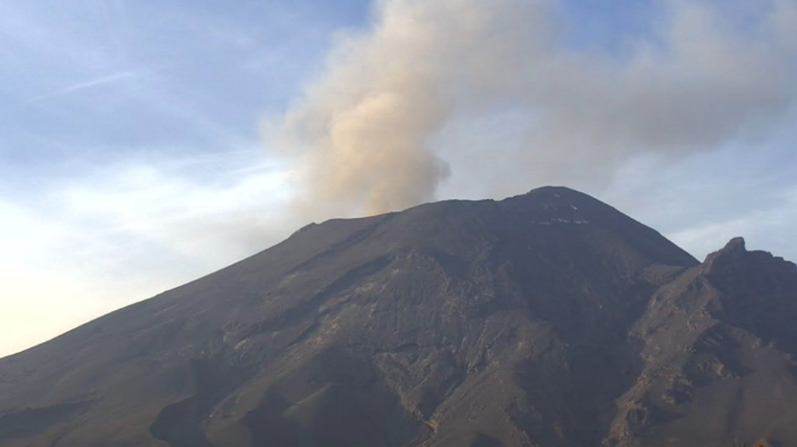 Volcán Popocatépetl baja intensidad pero se mantiene en alerta amarilla fase 2