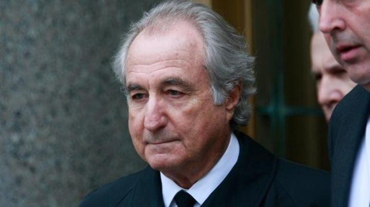 ¿Quién era Bernie Madoff, el hombre que estafó con millones de dólares a ricos y famosos?