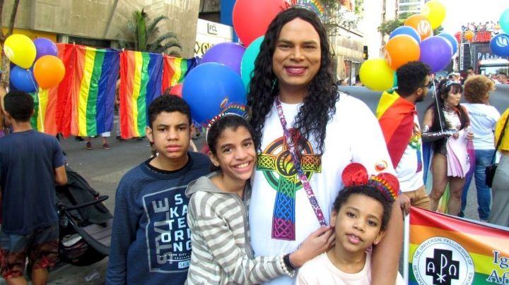 Brasil: ¡Histórico! Primera mujer travesti en adoptar será madre de dos niñas transexuales
