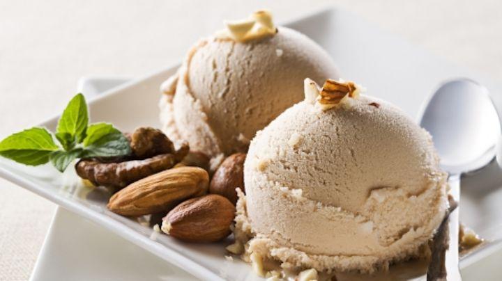 Refresca tus tardes de calor con este helado de nuez casero