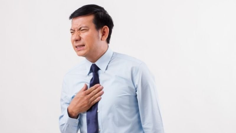 Combate el molesto reflujo con estos 5 saludables hábitos recomendados por expertos